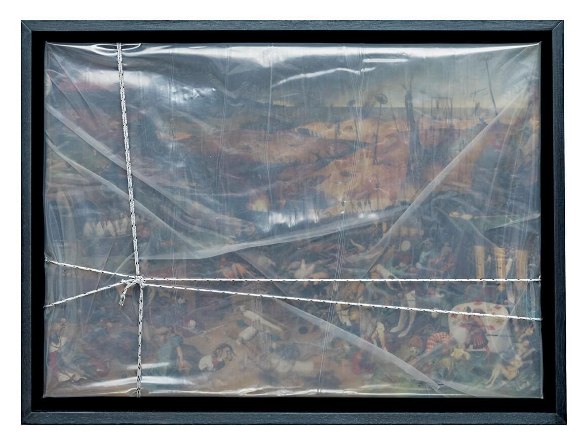 « Envío o el brillo de la ausencia » nylon, reproducción de El triunfo de la muerte de Brueghel y cuerda, 66 x 49 cm, 2020